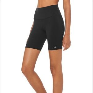 Gently Worn Alo Biker Shorts